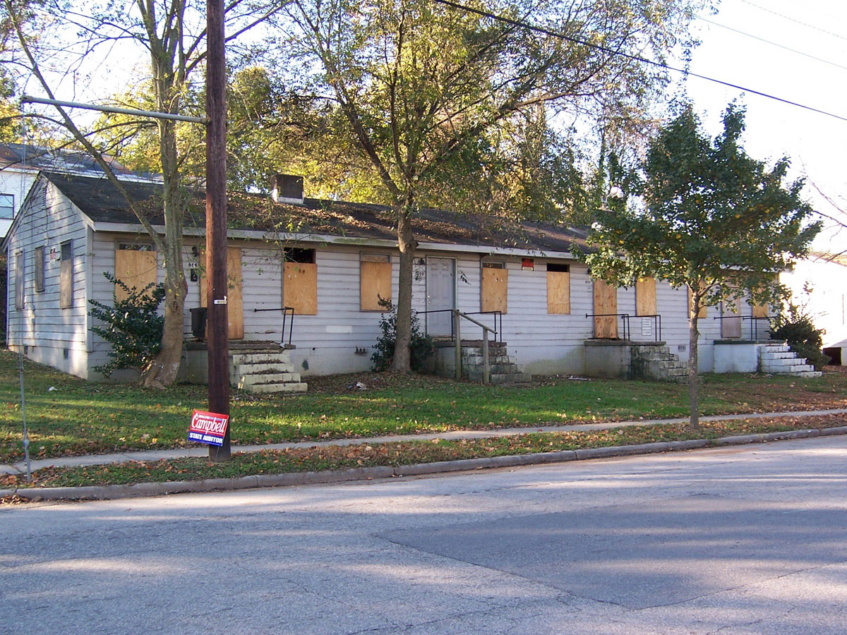 Jones Street Duplexes prior to rehabilitation
